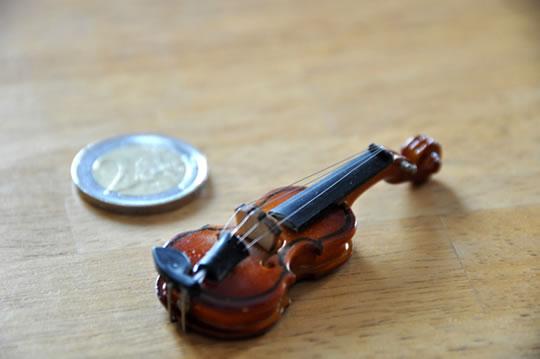 ヴァイオリンのマグネット